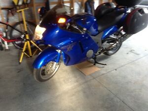 Honda CBR1100XX Super blackbird     New price $4500