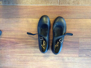 Girls tap shoes Kitchener / Waterloo Kitchener Area image 1