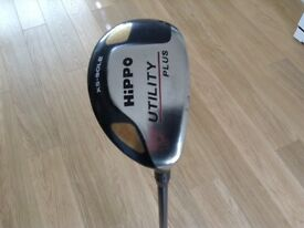 HIPPO XS SOLE UTILITY PLUS 18 DEGREE RIGHT HANDED WITH GRAPHITE SHAFT AND HEAD COVER.