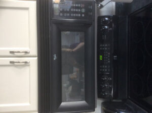 Black over the stove microwave