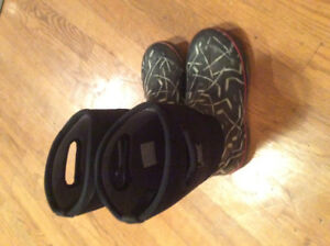 2 Bogs boots