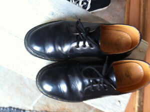 DOC MARTENS UNISEX SHOES FOR SALE