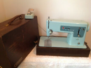 Working vintage teal blue Singer sewing machine