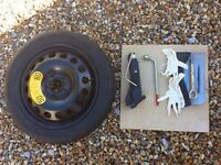 Volvo v70 2001 wheel changing set and space saver