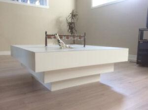 Table de salon ou sous-sol