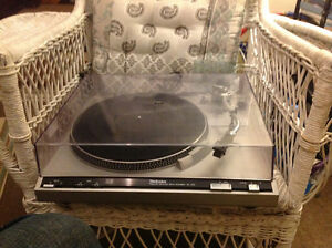 Technics. SL-220 Turntable for parts