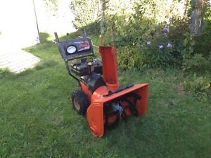 Low price for almost new snowblower West Island Greater Montréal image 1