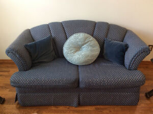 LOVE SEAT AND 2 CHAIRS IN BLUE COLOR