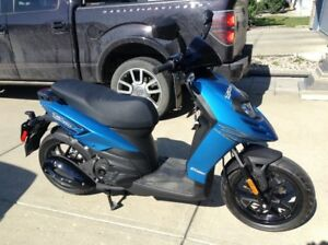LIKE NEW 49cc scooter for sale