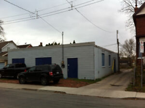 Commercial building for auto shop or apartments