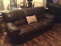 BROWN LEATHER 2 PIECE SUITE 3+2 IN EXCELLENT CONDITION FREE LOCAL DELIVERY AVAILABLE