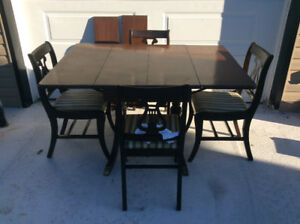 Duncan Phyfe table and chairs set.