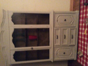 Magnificent display vintage cabinet 2piece at LOW price WOW! London Ontario image 4