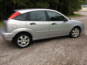 2005 Ford Focus ZX5 SE Hatchback