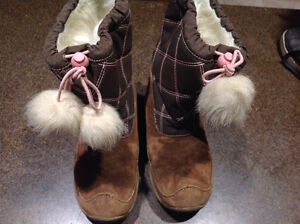 Size 12  Winter Hush Puppy Boots