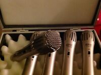 5  Dynamic Microphones & case