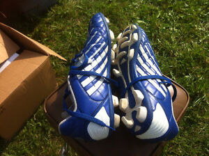 Adidas Traxion Soccer Cleats Size 11 $40 Kingston Kingston Area image 2