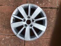 Volkswagen Golf 16 inch alloys