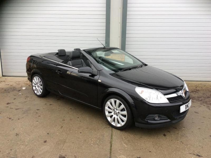 2007 Vauxhall Astra 18 Exclusiv Black Twin Top 2dr In Norwich