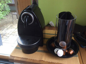 Cafetière Nespresso, with Container for capsules