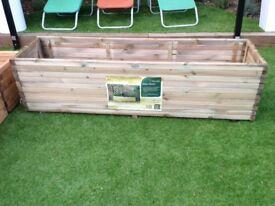 Planting trough 1.8m wide