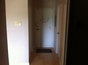 Apartment Sublet - ASAP Call 6138996004