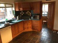 Oak kitchen plus appliances for quick sale