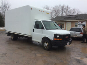 2007 GMC Cubvan gas 6.0 16.5rear roll up Nov 2 MVI 136 km$625
