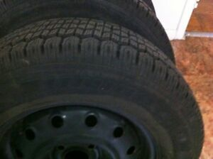 """Tiger Paw Uniroyal"" winter tires with rim P195/70/R14"