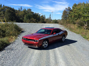 2009 Dodge Challenger SXT Coupe (2 door)