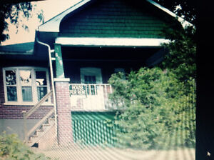 Avail. May1  responsible Trent great local, 4bdrm bungalow+parki
