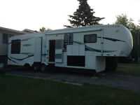 3370 RL Big Horn Fifth Wheel