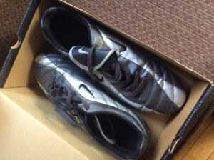 Adult size 11 soccer cleats. $40 obo