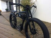 Cruiser electric bike basman Ruff Cycles