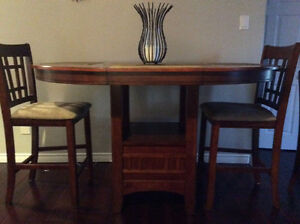 Kitchen/ Dining table with 6 chairs