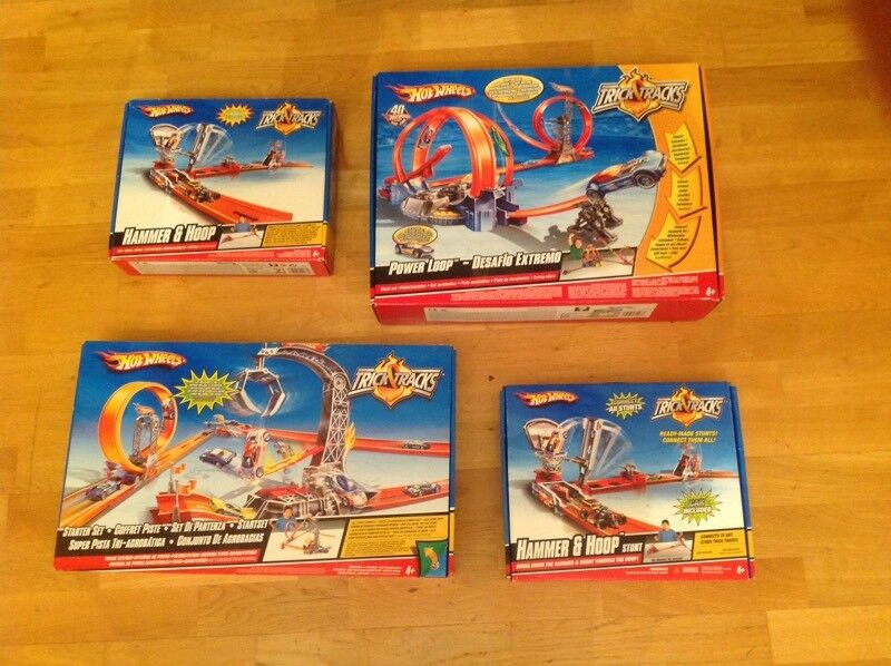 Hot wheels - collection of Trick and Tracks