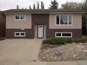 Executive 5 Bedroom Furnished House for Rent in Kindersley, SK