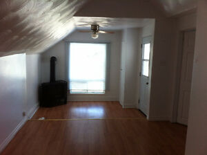 beautiful upstairs two bedroom apt