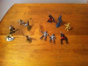Set of Plastic Medieval Knights Toy Soldiers Cambridge Kitchener Area image 4