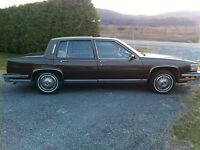 1986 Cadillac Fleetwood Berline