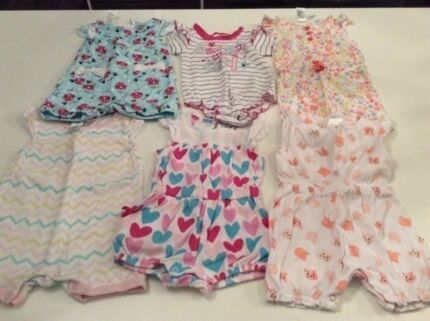 Size 6-12 months Clothes