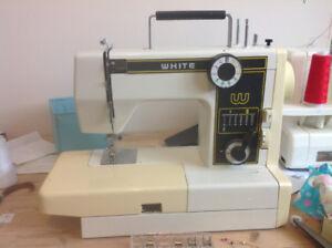 Vintage WHITE model 999 Precision built zig zag sewing machine