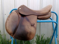 "17.5"" KENTAUR NAXOS English Jumping Saddle"