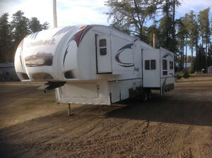 Outback 5th Wheel Trailer 31FRL