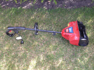 Toro Power Shovel - New!