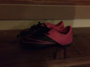 Girls indoor soccer shoes size 13