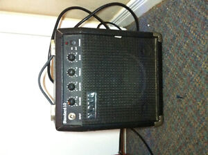 Squier-fender electric guitar with amp and input chord