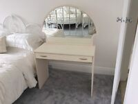 Dressing table and mirror (NOLTE)