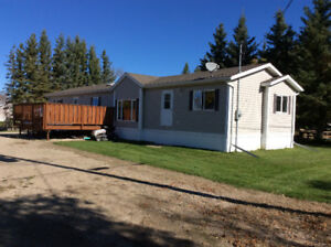 Well maintained 2006 modular in Erickson, Manitoba
