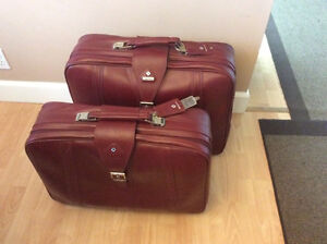 two pieces of Samsonite luggage